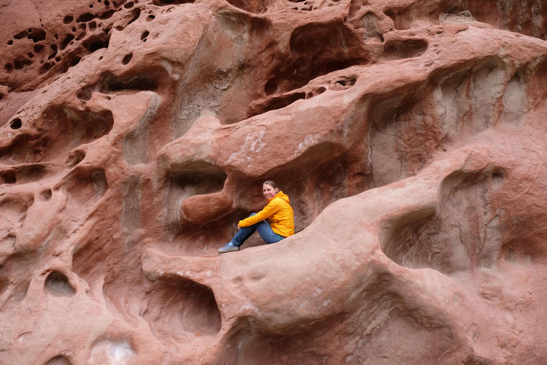 Die verrückten Steinformationen laden zum Klettern ein