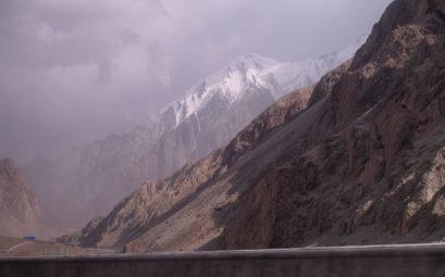 Unwetter auf dem Karakorum Highway.