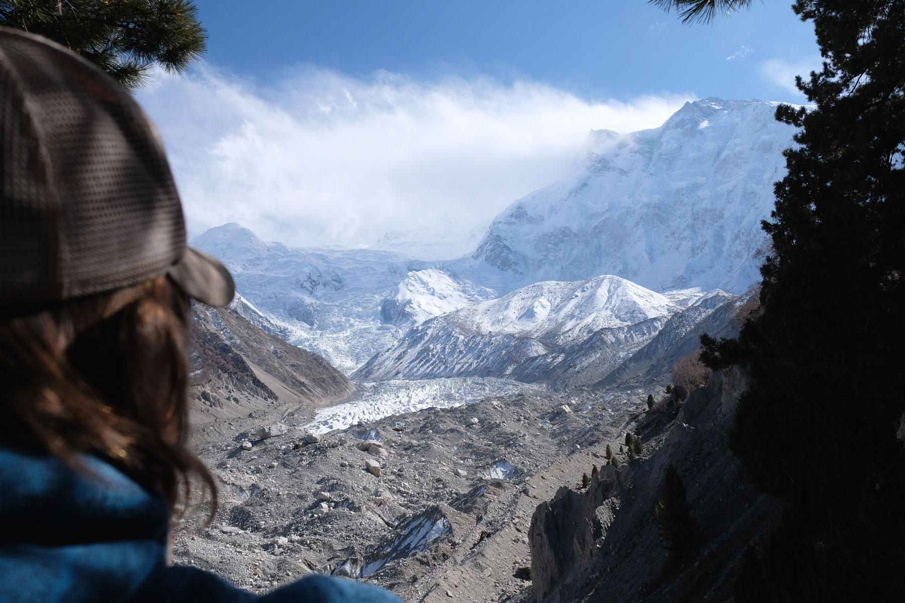 Ein Kopf neben dem Nanga Parbat.