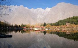 Shangri-La-See, unterer Kachura-See.