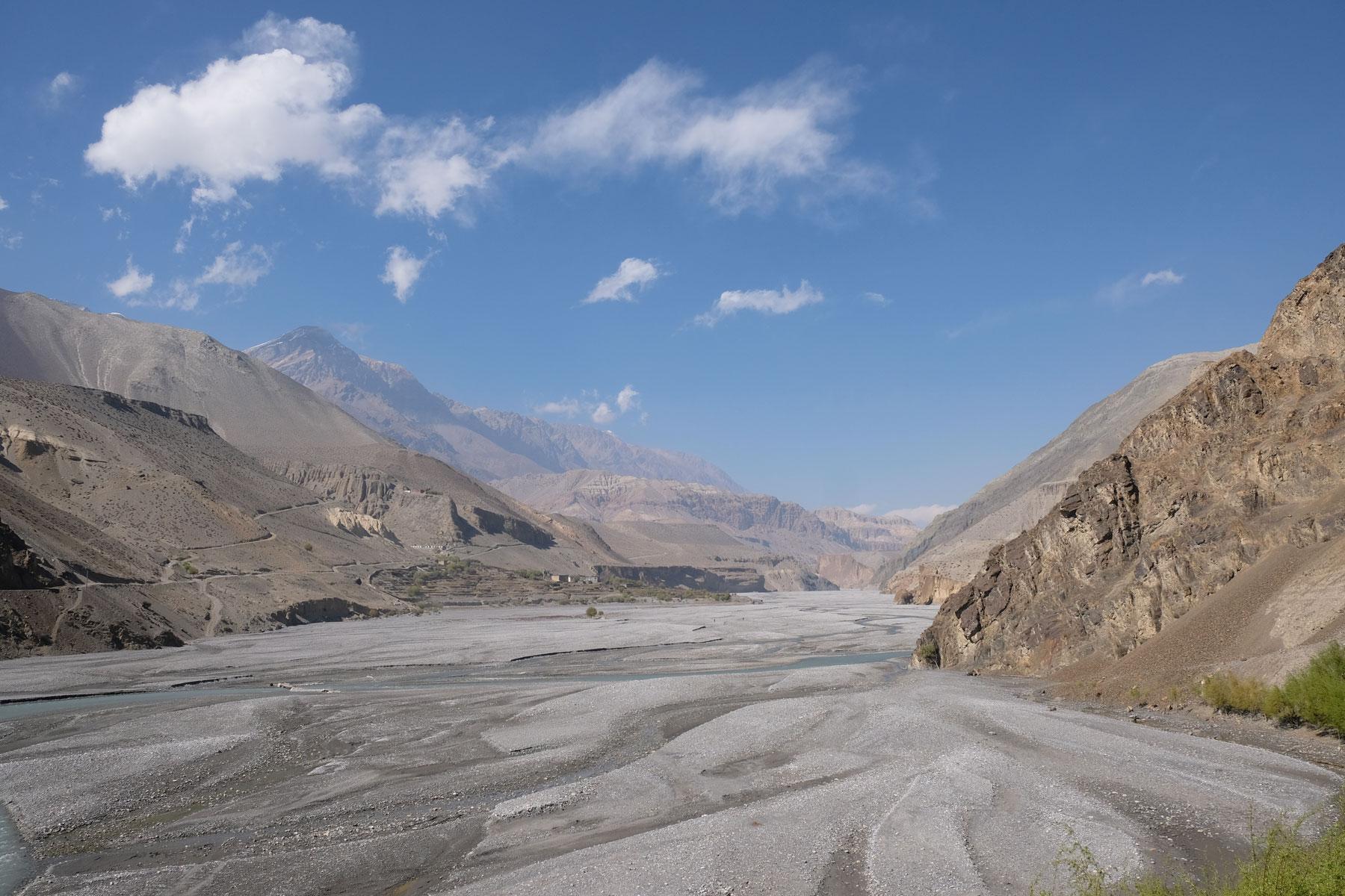 Mustang-Tal bei Kagbeni auf dem Annapurna Circuit.