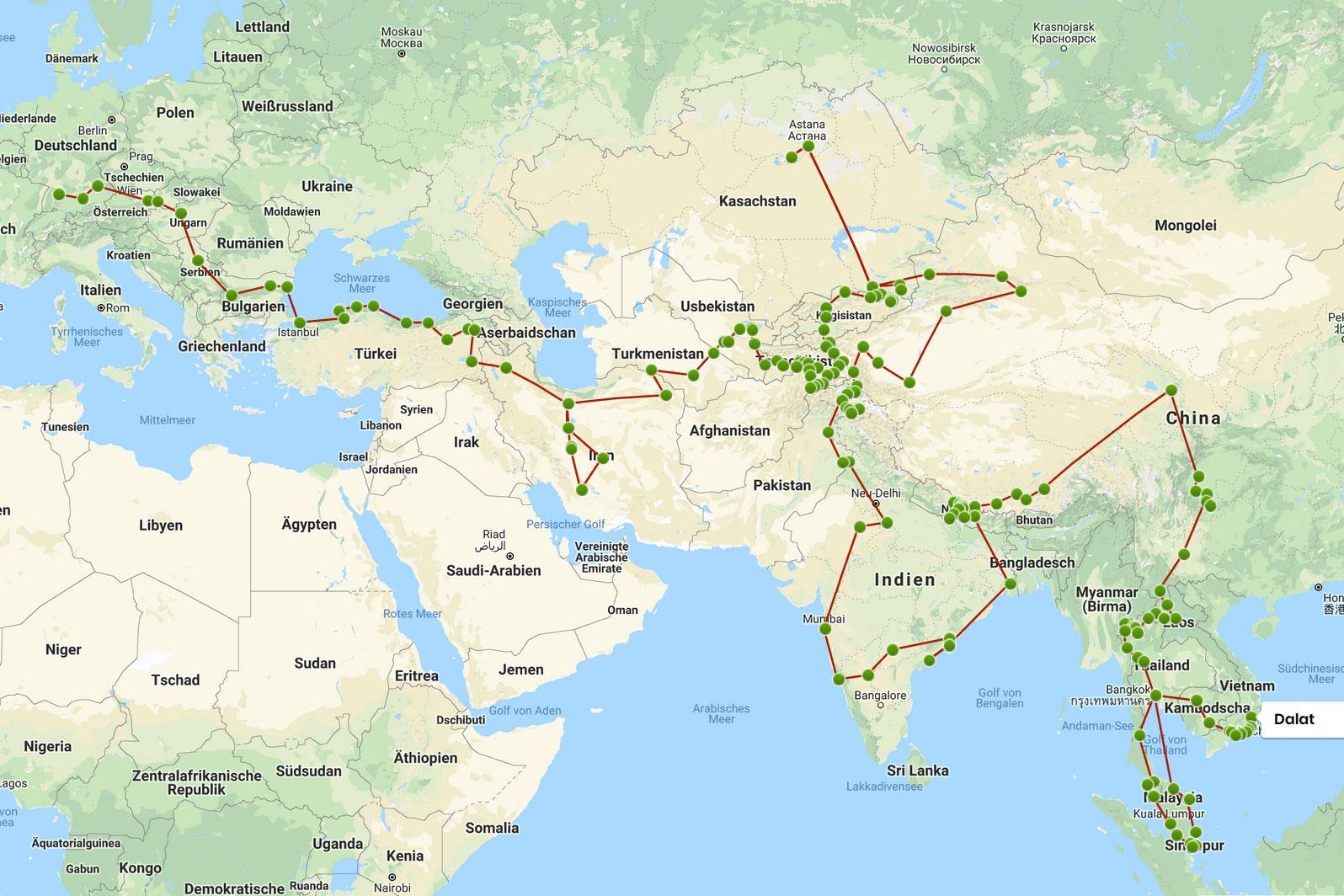 Eine Landkarte, auf der eine Reiseroute eingezeichnet ist.