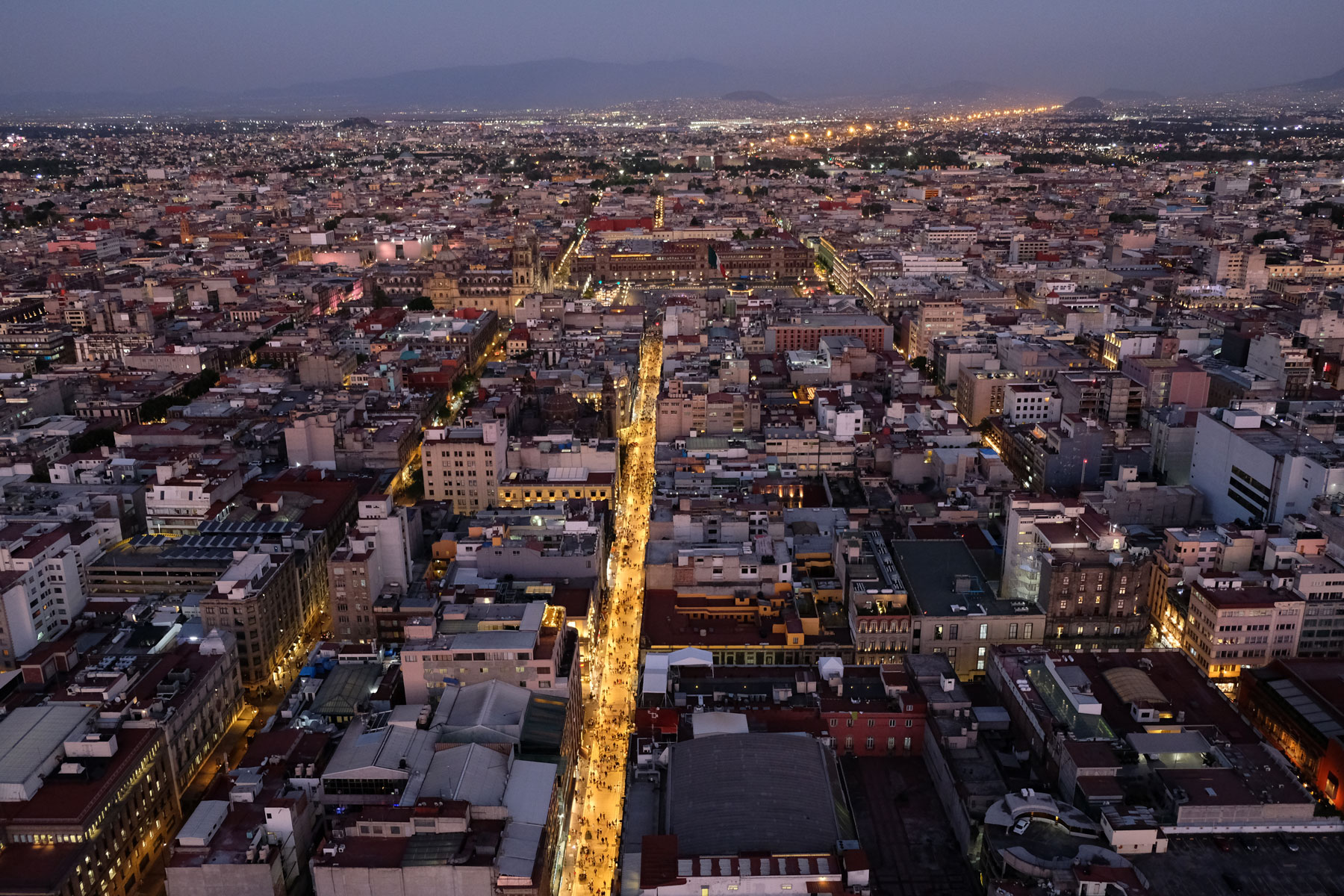 Blick vom Torre Latinoamericana auf Mexiko-Stadt.