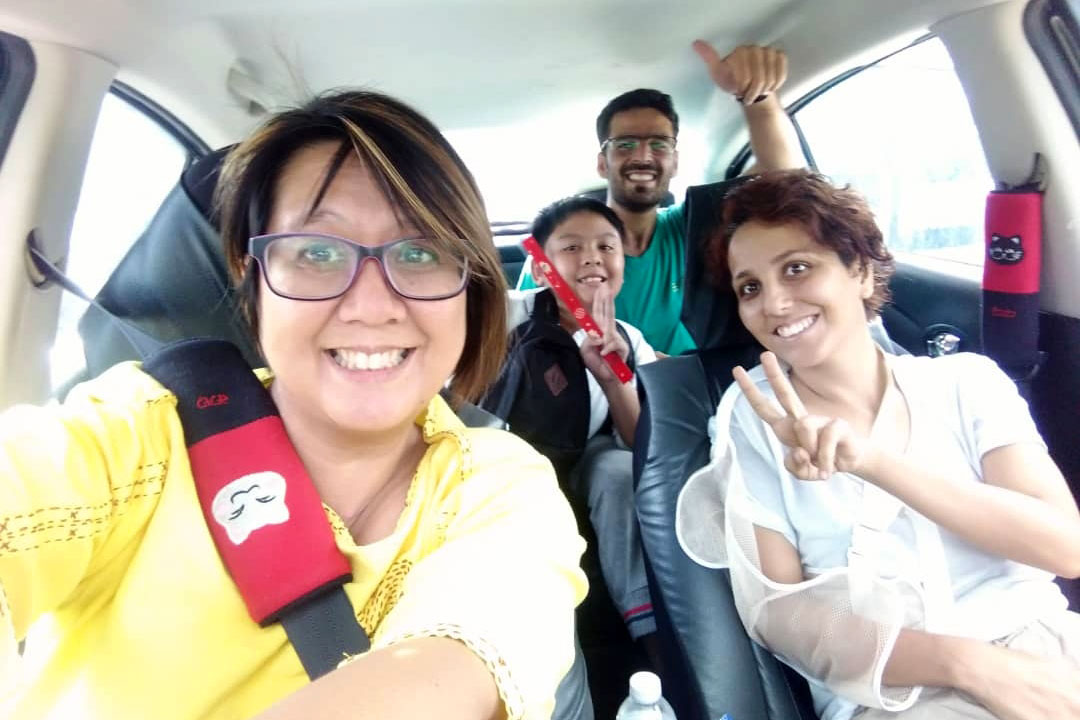 Mehrane und Mahmoud dürfen endlich das Krankenhaus in Thailand verlassen.