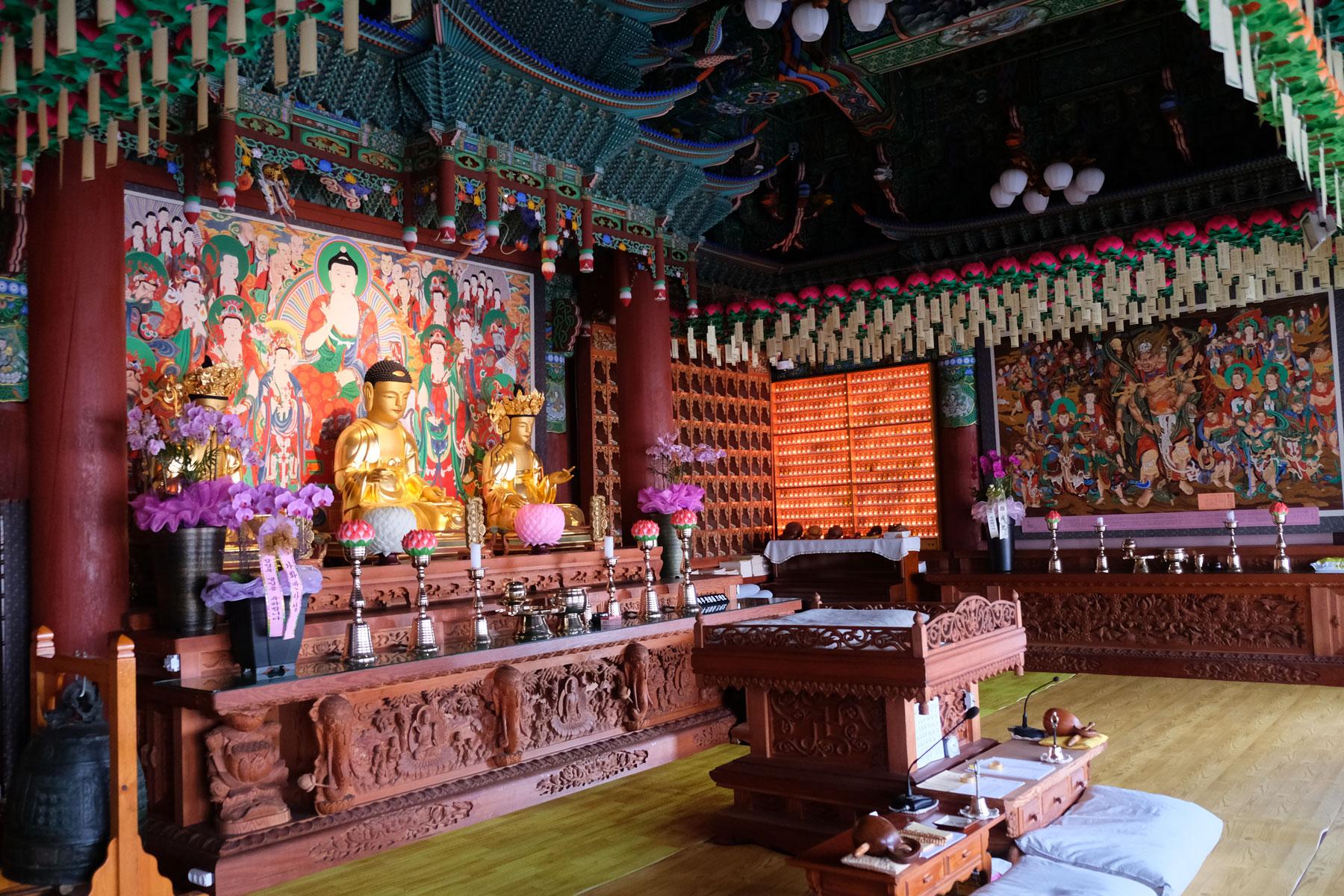 Ein Kloster am Jukgyo-dong-Berg in Mokpo, Südkorea.